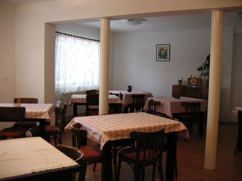 Szent István közösségi ház ebédlője